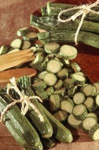 How to Freeze Fresh Zucchini - you have to blanch it first... Great tutorial from Rachel Ray.