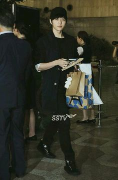 [PIC NEWS] 140519 Gimpo Airport to Japan - Myungsoo #4 pic.twitter.com/hP35gLMkrb