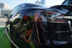 Семья погибшего водителя Tesla заявила, что автопилот не виноват в его смерти http://bit.ly/2y1zD32  #Tesla