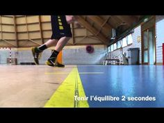 ► Proprioception de la cheville [Ankle Proprioception Exercise] HD - YouTube