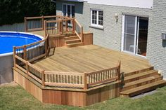 Are you think of how to enhanced your pool area with pool deck ideas? I have here how to enhance your pool area with a pool deck ideas you will love. Patio Deck Designs, Backyard Pool Designs, Patio Design, Above Ground Pool Decks, In Ground Pools, Remodeling Mobile Homes, Home Remodeling, Bathroom Remodeling, Piscina Pallet