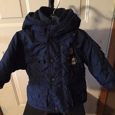 6-9 mos winter coat Toddler 6-9mos winter coat. Excellent condition. No stains, holes or flaws. Zipper works perfect. Jackets & Coats
