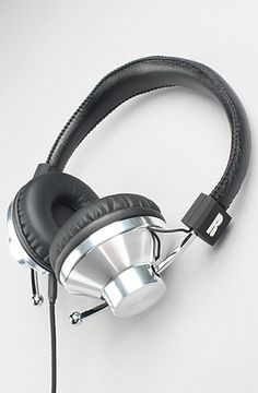 The 45S DJ Headphone in Silver by Eskuche