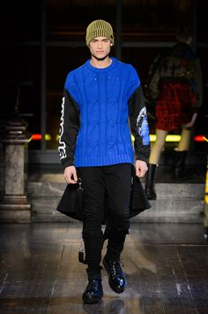 Moschino Fall/Winter 2016/17 - London Collections: MEN - Male Fashion Trends