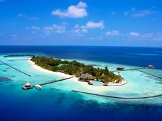 Maldives Islands Komandoo Island Resort Maldives, Asia Ideally located in the prime touristic area of Lhaviyani Atoll, Komandoo Island Resort promises a relaxing and wonderful visit. The hotel has everything you need for a comfortable stay. Facilities like free Wi-Fi in all rooms, 24-hour front desk, express check-in/check-out, luggage storage, Wi-Fi in public areas are readily available for you to enjoy. Television LCD/plasma screen, internet access – wireless (complimentary)...