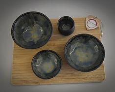 Set van 3 unieke hand gedraaide tapas kommetjes + tandenstoker houder / schaaltjes / keramiek - steengoed (gesigneerd) Tapas, Coasters, Etsy, Coaster
