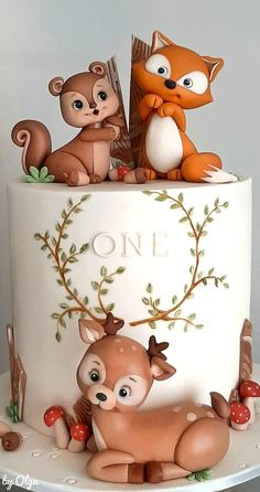 A place for people who love cake decorating. Boys First Birthday Party Ideas, Baby Birthday Cakes, Woodland Cake, Woodland Party, Bolo My Little Pony, Beautiful Birthday Cakes, Fondant Animals, Animal Cakes, Fairy Birthday