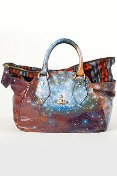 Gorgeous galaxy print leather by: Vivienne Westwood. OBSESSED with galaxy print right now Coin Purse Wallet, Clutch Bag, Hippie Chic, My Bags, Purses And Bags, Galaxy Fashion, Fab Bag, Diamond Are A Girls Best Friend, Vivienne Westwood
