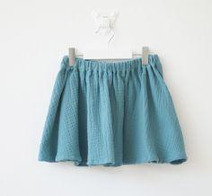 Buscas comprar una falda de algodón para niña online? En nottocbaby tenemos las mejores faldas para niña de calidad. Visita nuestra web!