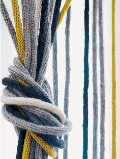 Strickvorhang Vorhang aus Liesel-Kordeln #Strickliesel #DIY #selbermachen #stricken #knitting #Strickanleitung #Anleitung #pattern #Wolle #Garn #wohnen #Idee #Inspiration #home #kreativ #Einrichtung #Geschenkideen #Geschenk #Vorhang #Sichtschutz #Raumtrenner