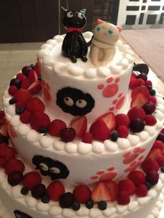 Jiji and the cat next door. - Food Delivery Service - Ideas of Food Delivery Service - Kiki's Delivery Service inspired cake! Jiji and the cat next door. Kiki's Delivery Service, Delivery Food, Anime Cake, Kawaii Dessert, Fantasy Cake, Cute Cakes, Cute Food, Different Recipes, Cake Creations
