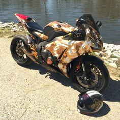 2014 cbr1000rr gold camo. Austin racing GP1 exhaust. Dunlop Q3 tires. cbr 1000rr