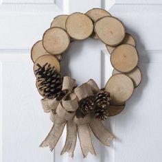 27 Extraordinary DIY Branches and DIY Log Crafts for Ornament Christmas Primitive Christmas, Christmas Crafts For Gifts, Homemade Christmas, Christmas Diy, Christmas Wreaths, Christmas Decorations, Natural Christmas Ornaments, Primitive Crafts, Country Christmas