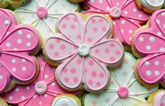 How to Decorate a Dottie Daisy Cookie