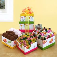 Fresh Floral Tower Price: $46.99 #amerigiftbaskets #gifts #giftbaskets #valentine For more information visit: www.AmeriGiftBaskets.com