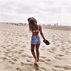 Shop for trendy swimwear, clothing and accessories for women at affordable prices Beach Foto, Beach Babe, Summer Beach, Summer Vibes, Summer Photography, Photography Poses, Editorial Photography, Shotting Photo, Poses Photo