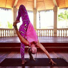 wonderfulyou:  Crazy pose! Inspired by the awe-inspiring @MacKenzie Miller ❤