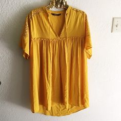 Zara Mustard Guipure Lace Dress From their 2015 collection. Adorable dress! Perfect for summer outings. Size XS Zara Dresses Mini