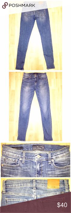 "⬇️PRICE DROP⬇️Lucky Brand Jeans Lucky Brand ""Broke Skinny"" Jeans in size 0/25 with a 27"" inseam comes preloved and in VERY GOOD condition. My favorite pair of skinny jeans right now! Medium/dark wash, high/medium rise (8"") and skinny fit. Price firm as I love these right now! My prices fluctuate from time to time. Catch items when the prices are low!❤️ Lucky Brand Jeans Skinny"
