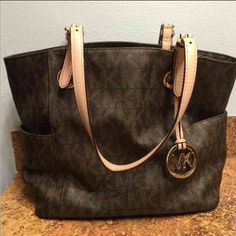 Michael Kors Great condition. Inside is well taken care of and clean. Only flaws are in third photo. Make an offer. Michael Kors Bags Shoulder Bags