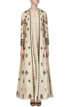 Samatvam By Anjali Bhaskar presents Beige embroidered jacket with layered Kurta available only at Pernia's Pop Up Shop. Pakistani Party Wear, Pakistani Outfits, Indian Outfits, Kurta Patterns, Dress Patterns, Kurta Designs, Blouse Designs, Ethnic Fashion, Indian Fashion