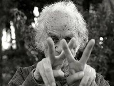 Nicanor Parra: Antipoemas, parodias y lenguajes híbridos; de la antipoesía al lenguaje del artefacto | Revista Almiar