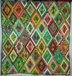 Tula Pink Nest Quilt, by Jeannette (goneaussiequilting)