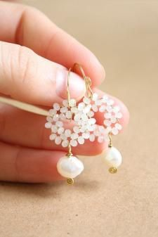 hoop earrings Ideas, Craft Ideas on hoop earrings Bead Earrings, Bridal Earrings, Wedding Jewelry, Bridal Bracelet, Flower Earrings, Gemstone Earrings, Pearl Gemstone, Fringe Earrings, Gold Pearl