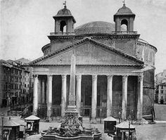Façade of the Pantheon at the end of XIX century.
