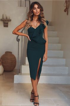 Caruso Midi Dress Green - Green Dresses - Ideas of Green Dresses - - Caruso Midi Evening Cocktail Ruffle Dress Green Elegant Dresses, Sexy Dresses, Dress Outfits, Evening Dresses, Short Dresses, Fashion Dresses, Dresses For Work, Clubbing Dresses, Tailored Dresses