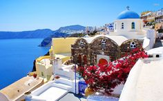 Cheap and safe Santorini car rentals! Rent a car at Santorini airport, Port or any hotel without extra charge. Car hire in Santorini no hidden extras. Santorini Travel, Santorini Island, Santorini Greece, Greece Wallpaper, Beach Wallpaper, Hd Wallpaper, Strand Wallpaper, Beautiful Places, Beautiful Pictures