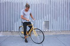Check out this sure fire headturner, our new Matte Mustard Rambler 7, one of the beautiful new colours available now at Linus. Head to our website to see it (and many other new colours!) in all its glory.  http://www.linusbike.com