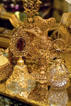 golden vanity tray perfume ❤