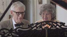 En s'inspirant du film d'animation « Là-haut », un jeune pianiste a réalisé une vidéo à l'occasion de l'anniversaire de mariage de ses grands-parents. On y découvre le couple fêtant leurs 60 ans de vie commune, jouant au piano la bande originale du dessin-animé.