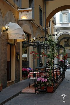 A cafe in Mercato Nuovo - Florence, Italy