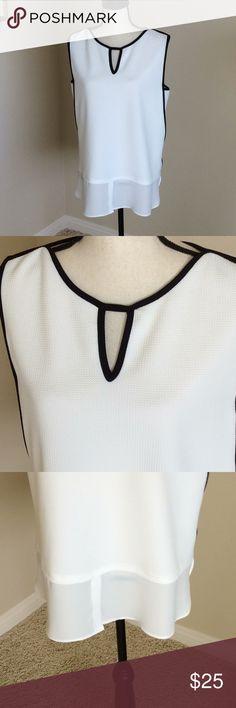 Black and white tunic top Joseph Ribkoff Black &White Tunic Top. Size: 10. Joseph Ribkoff Tops Tunics