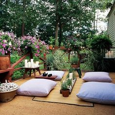 15 Cozy Outdoor Rooms Zen Hideaway: Create your own Japanese tearoom on a deck or balcony. A woven-grass rug defines the space, while large floor pillows and a bamboo mat welcome visitors. Candles, river rocks, and the scent of rosemary provide Eastern am Yoga Garden, Meditation Garden, Meditation Space, Group Meditation, Meditation Corner, Morning Meditation, Morning Yoga, Yoga Meditation, Outdoor Rooms