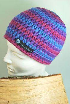 klasse Mütze in lila - pink - blau gestreift - von DaiSign  http://de.dawanda.com/product/39384498-gestreifte-Muetze