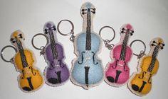 chaveiros de violino e violoncelo