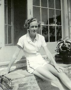 Julia Child was an American spy during WWII for the Office of Strategic Services (precursor to CIA). Julia Child was an American spy during WWII for the Office of Strategic Services (prec