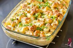 Casserole de chou-fleur au poulet - WayMadi - Lilly is Love Dutch Recipes, Meat Recipes, Wine Recipes, Cooking Recipes, Healthy Recipes, Healthy Diners, Good Food, Yummy Food, Oven Dishes