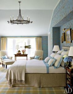 How to Make a Bed Like an Interior Designer Photos | Architectural Digest