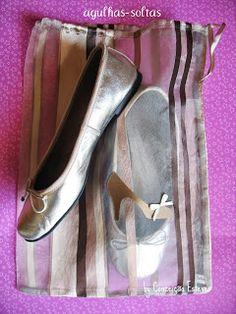 Agulhas Soltas - Artesanato em Geral: Saco para sapatos de mulher
