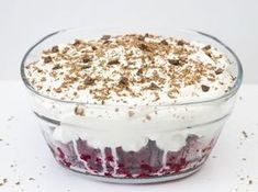 Super leckerer 5 Minuten Himbeer Baiser Nachtisch - My list of the best food recipes Raspberry Meringue, Meringue Desserts, Bon Dessert, Dessert Bowls, Dessert Food, Best Pancake Recipe, Homemade Baby Foods, Pumpkin Spice Cupcakes, Pesto Pasta