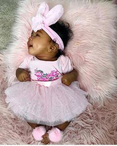 you'll find amazing pins do come and kljoin the LIT CREW ♕ insta: _onelitlife for selfcare tips/threads Cute Mixed Babies, Cute Black Babies, Black Baby Girls, Beautiful Black Babies, Cute Baby Girl, Baby Girl Newborn, Cute Babies, Baby Kids, Hello Beautiful