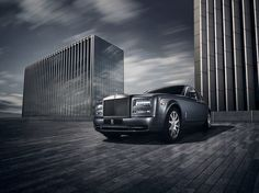 There is a side to every city that only those who see it from a Roll-Royce Phantom will see.  Inspired by the city and a side seldom seen, the Metropolitan Collection is a symbol of unspoken power and unrivalled success.  Calm, cossetted. Your personal sanctuary bequeaths a private view of the city before you. A place from which to appreciate details that are often unseen and rise to heights that are often unreached.