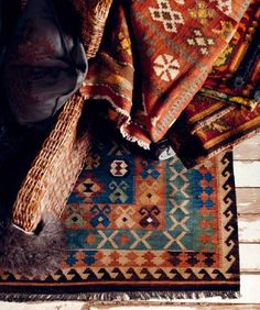 common ground : Decorating with Kilim and Turkish Rugs