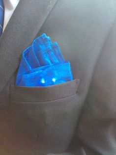 Arduino, XBee, LEDs and a well written code are used in these DIY fashion tech Proximity-Sensing Pocket Squares via Ben  (April 2011)
