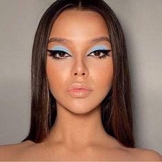 Makeup Eye Looks, Creative Makeup Looks, Blue Makeup, Skin Makeup, Eyeshadow Makeup, Makeup Art, 60s Makeup, Fairy Makeup, Blue Eyeshadow