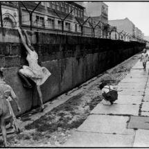 Henri Cartier-Bresson, WEST GERMANY. 1962. West Berlin. The Berlin wall.